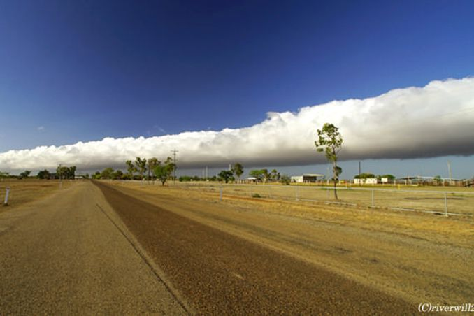 自然の驚異!!幻の巨大雲「モーニング・グローリー」<p>