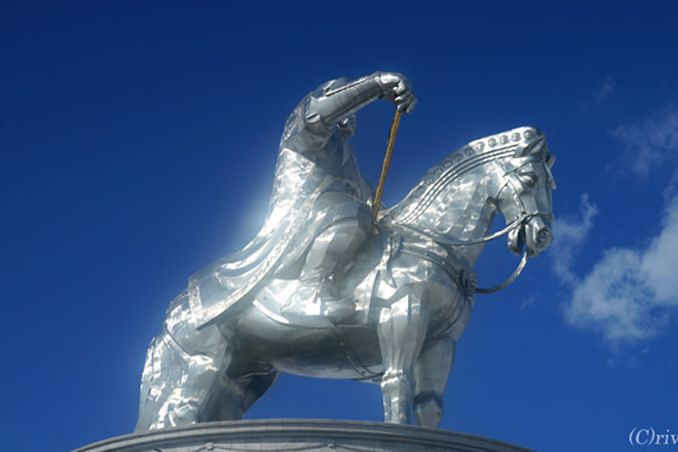 白銀のモンゴル雪原!犬ぞり、乗馬にチンギスハーン!!<p>