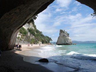 ニュージーランド カセドラル・コーブ New Zealand Cathedral Cove