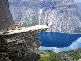 ノルウェー トロルの舌 トロルトゥンガ Norway the tongue of troll trolltunga