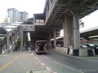 タイ バンコク ワット・パクナム Thailand Bangkok ソンテウ乗り場