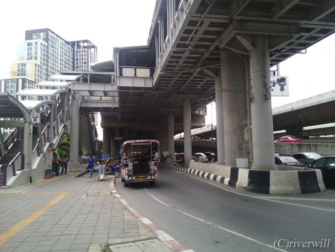 20170824_203__Thailand_Bangkok_WatPaknam_c