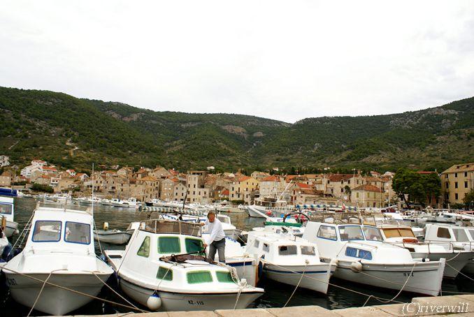 com_croatia03_03VIS_c